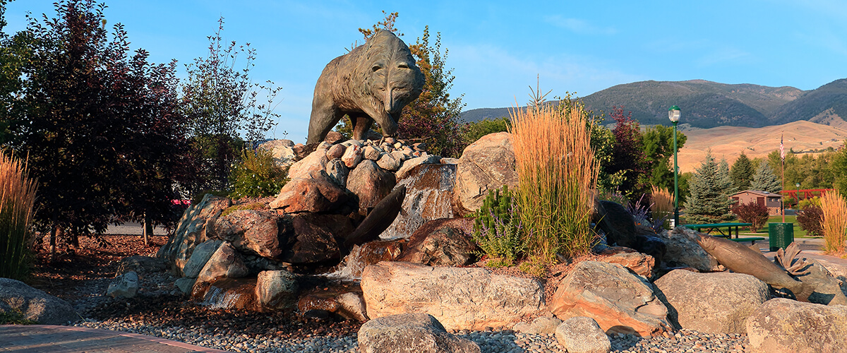 bear sculpture in Salmon, Idaho